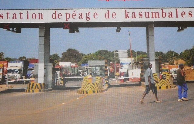 Kasumbalesa : L'Udps Bilanga se défend d'entretenir la contrebande à la frontière et pointe du doigt les services de sécurité (CongoForum)