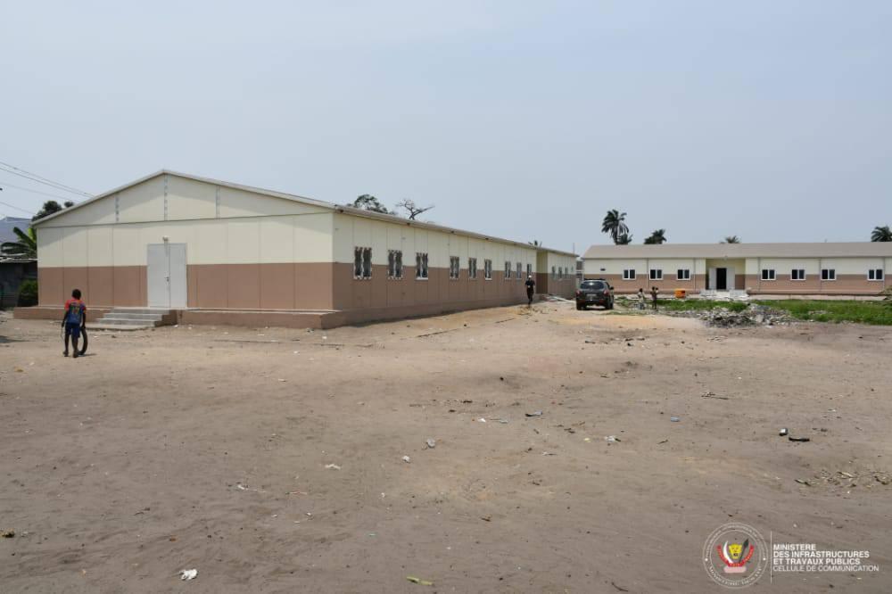 Education : le projet pilote de construction de 300 écoles a porté ses premiers fruits à Kinshasa et se poursuit (Congoforum)