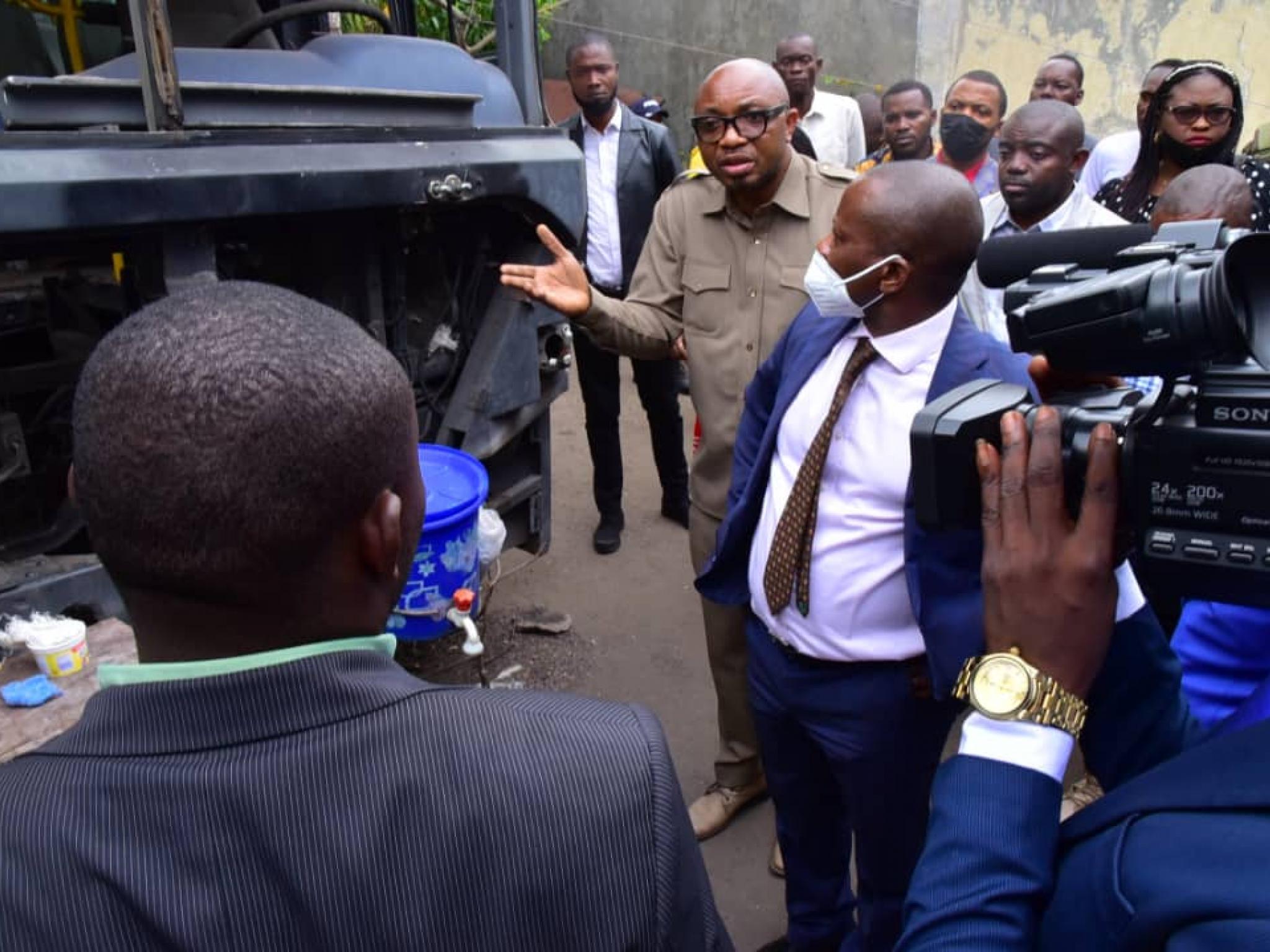 Transco : découverte de 161 bus abandonnés dans deux parcelles dans la commune de la N'sele à Kinshasa (Congoforum)